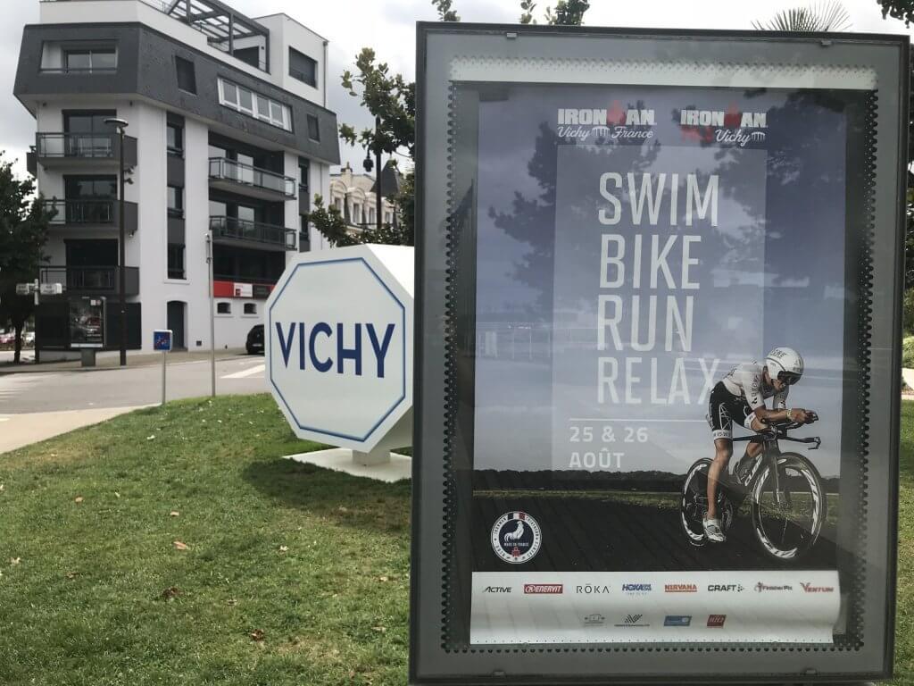Werbetafel des Ironman Vichy
