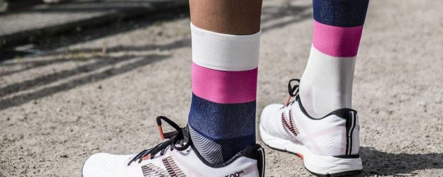 ÎNCYLENCE - Socke mirrored-pink